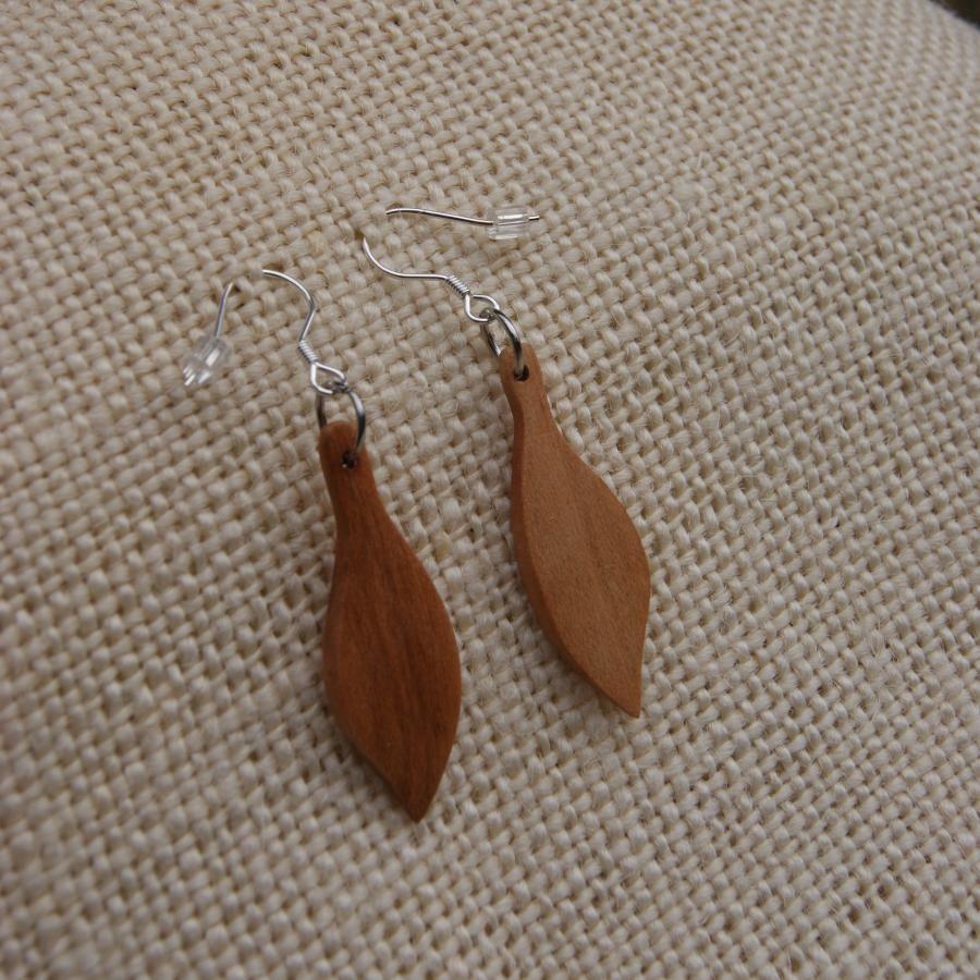 boucles d 39 oreilles bijoux bois fabrication artisanale. Black Bedroom Furniture Sets. Home Design Ideas