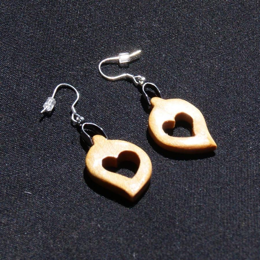 boucle d'oreille noce de bois, Saint Valentin coeur bois de merisier