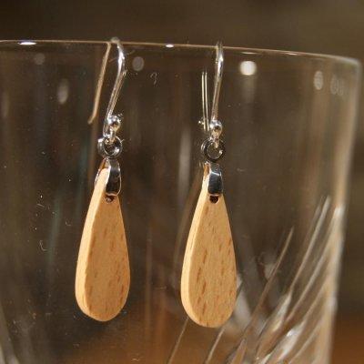 boucle d'oreille goutelettes en bois de hetre bijoux éthique en bois, bijou nature ciré, fait main