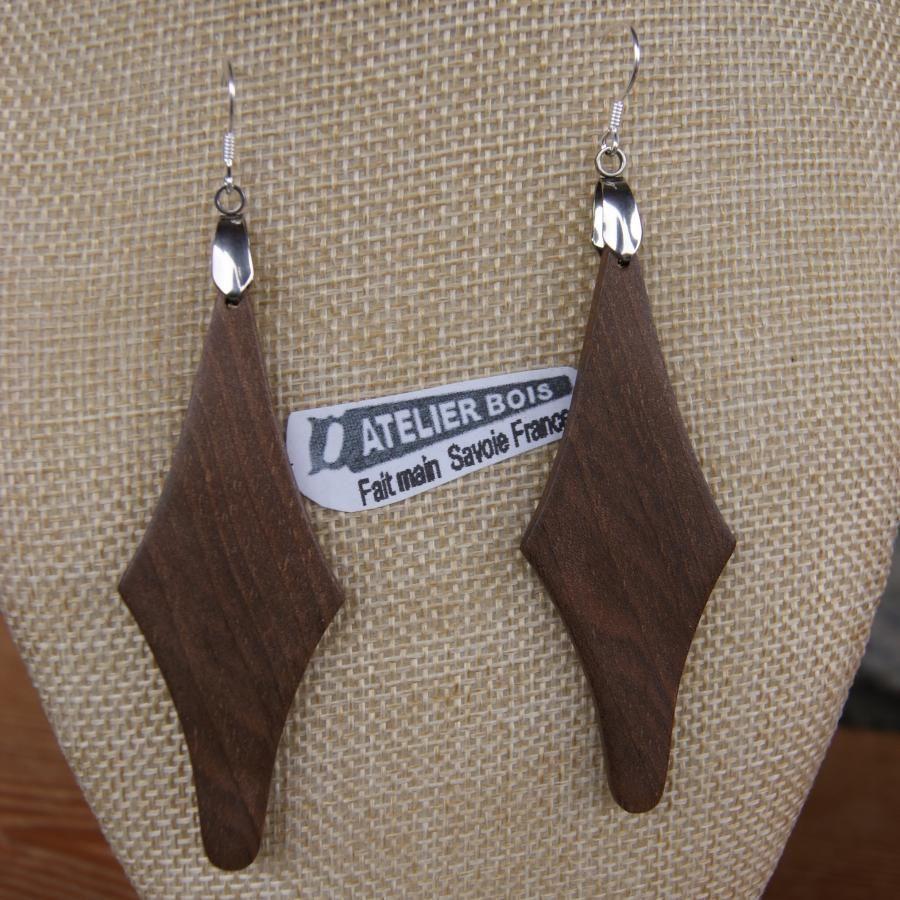 boucle d'oreille grand losange en bois de Noyer bijoux éthique en bois, bijou nature ciré, fait main