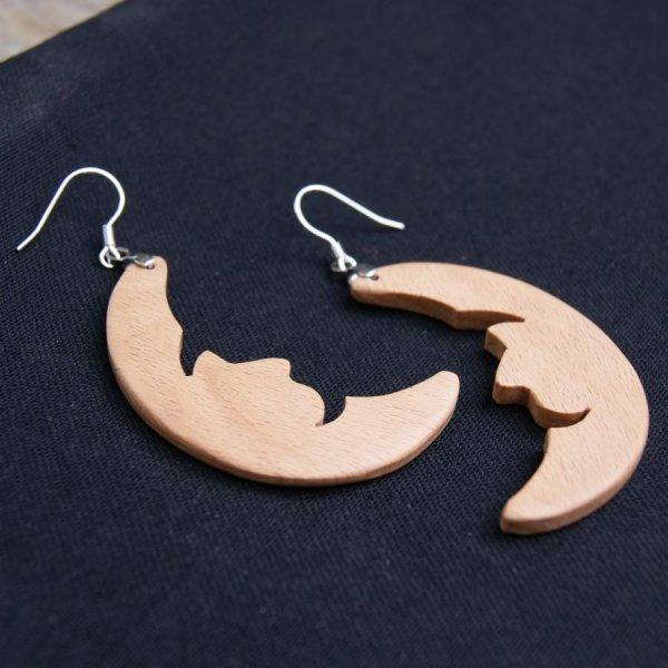 boucle d'oreille lune en bois de hetre bijou éthique en bois, nature, fait main