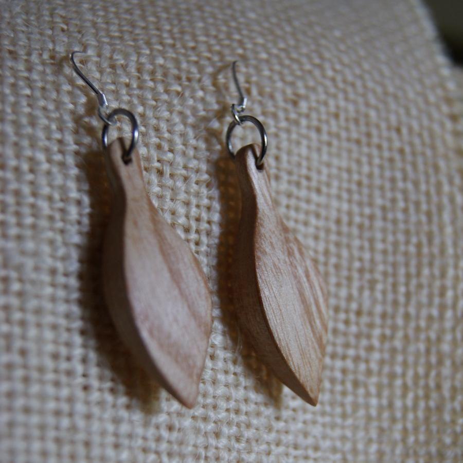 boucles d'oreilles bijoux bois fabrication artisanale frêne