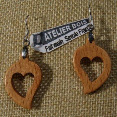 boucles d'oreilles coeur bois de Hêtre ciré, noce de bois, saint valentin, fait main