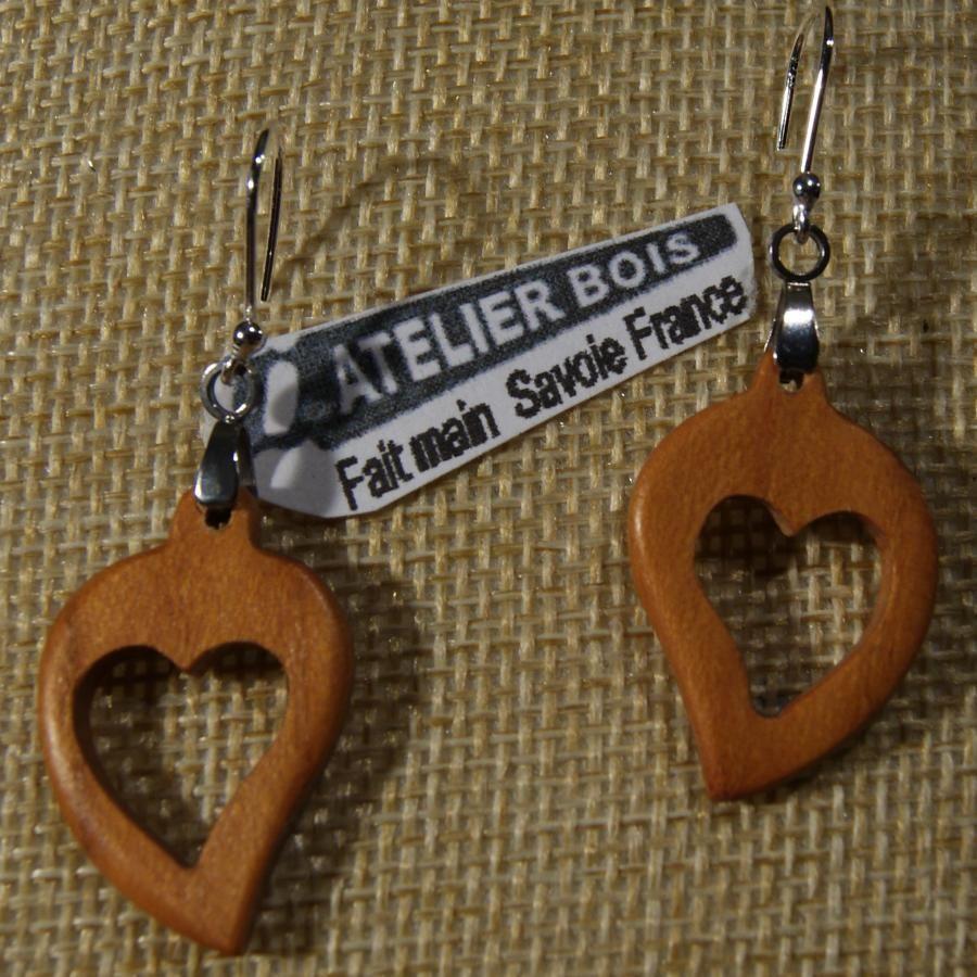 boucles d'oreilles coeur bois merisier ciré, noce de bois, saint valentin, fait main