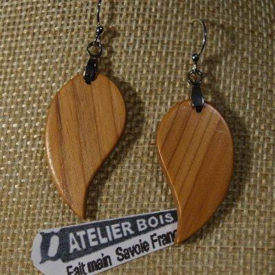 boucles d'oreilles feuille ronde en bois d'If  bijoux éthique en bois, bijou nature ciré, fait main