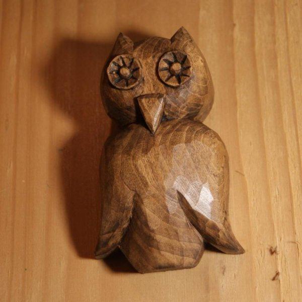 Chouette découpée sculptée a la main cirée noyer decoration intérieure bois de tilleul massif