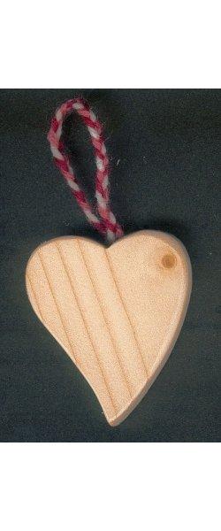 Petit coeur incliné en bois à suspendre Saint Valentin