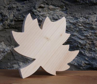 Découpe feuille d'erable en bois a décorer