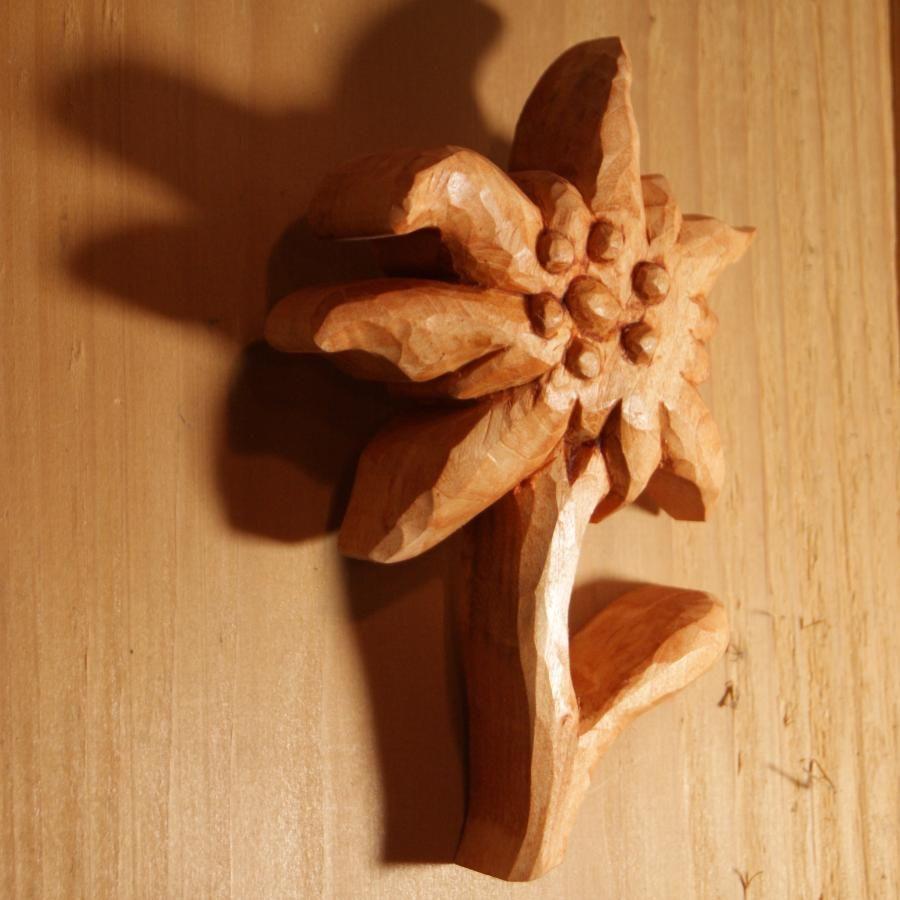 Edelweiss en bois, découpée sculptée main cirée ton merisier, décoration chalet, tilleul