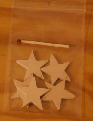 5 etoiles percées, decoration de Noel a decorer et suspendre