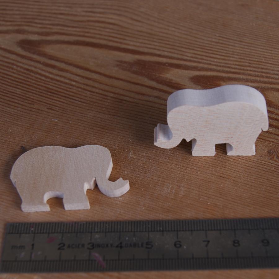 figurine miniature éléphant 3mm embellissement a peindre et a coller bois massif fait main