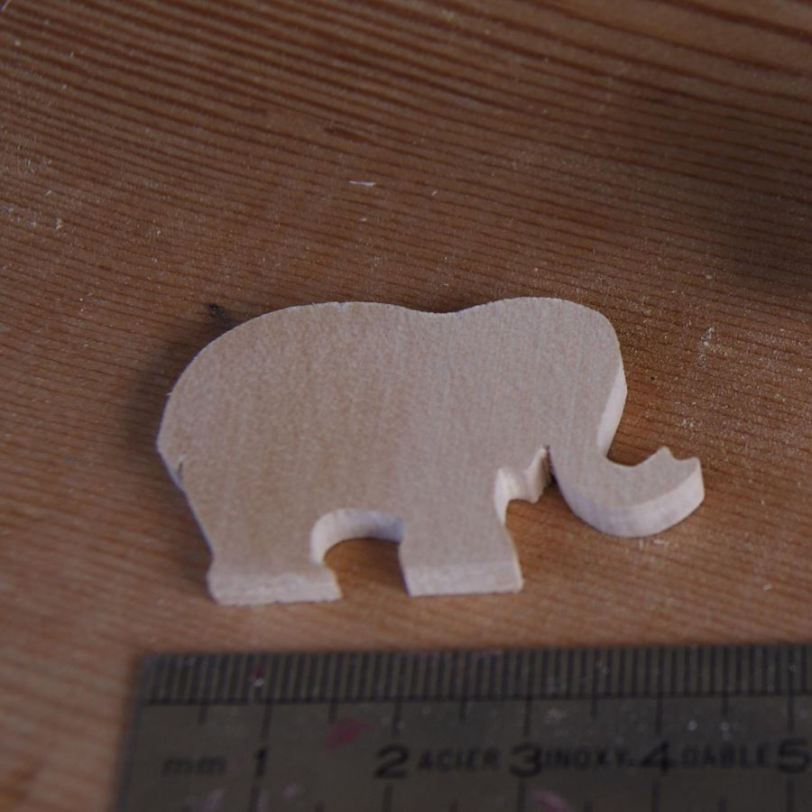 figurine miniature éléphant 3mm a peindre et a coller