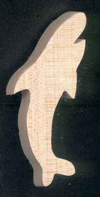 Figurine requin en bois
