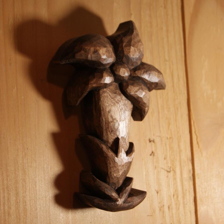 Gentiane bois de tilleul,  découpée sculptée cirée noyer, fait main en Savoie, décoration interieure chalet