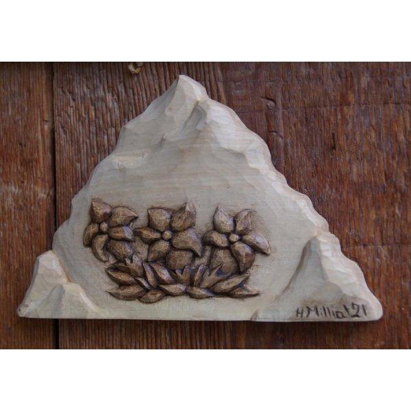 Montagne avec gentianes petit bas relief sculpté