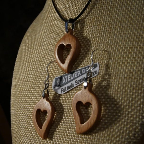 Parure coeur bois de hetre, boucles d'oreilles et pendentif, idée cadeau noce de bois, saint valentin, fait main