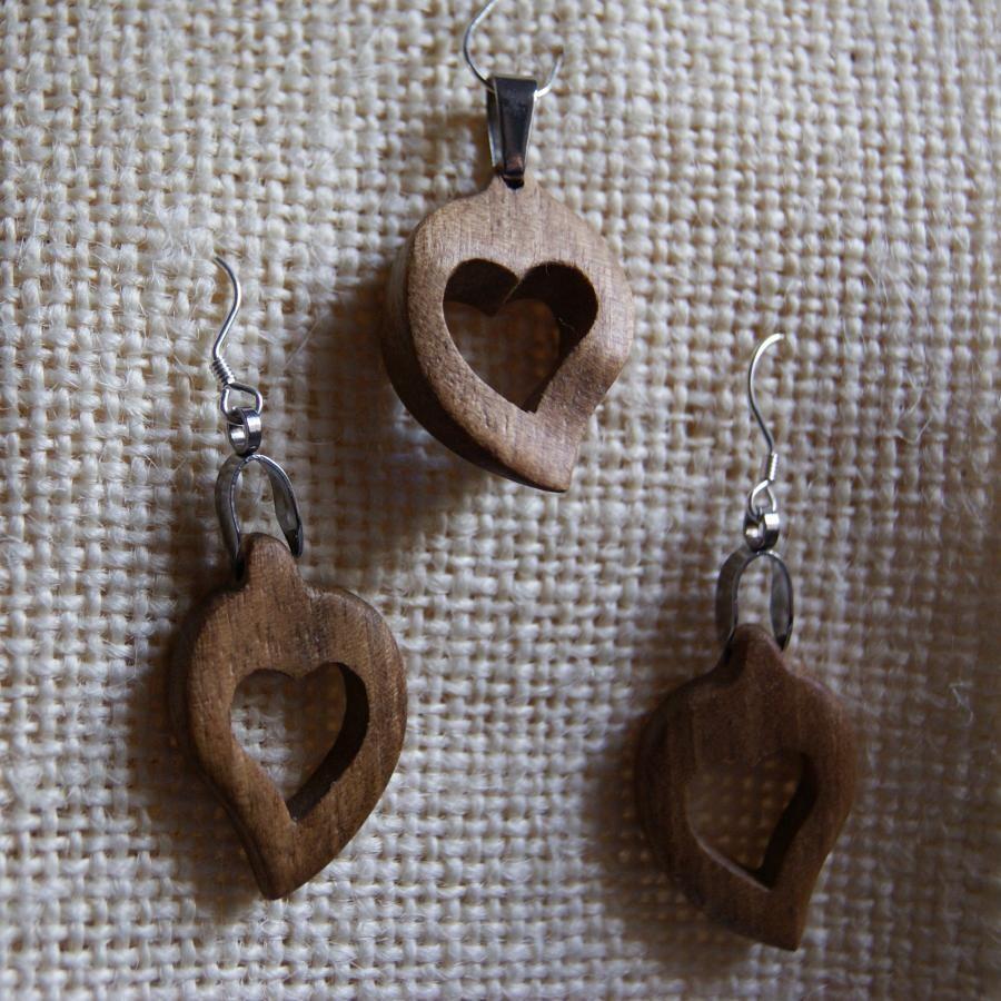 Parure coeur noyer, boucle d'oreille etpendentif, cadeau noce de bois, saint valentin, fait main