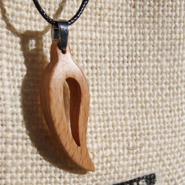 Parure feuille evidée en bois de hetre, boucles et pendentif fait main