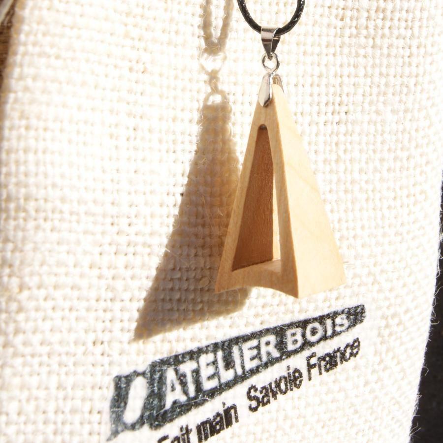 Parure triangle en bois de merisier, boucles d'oreilles et pendentif fait main