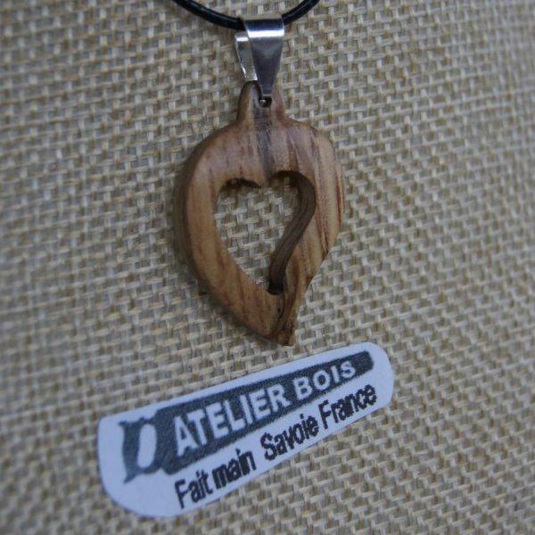 pendentif coeur en bois de chêne, noce de bois, saint valentin,  bijoux bois et nature fabrication artisanale