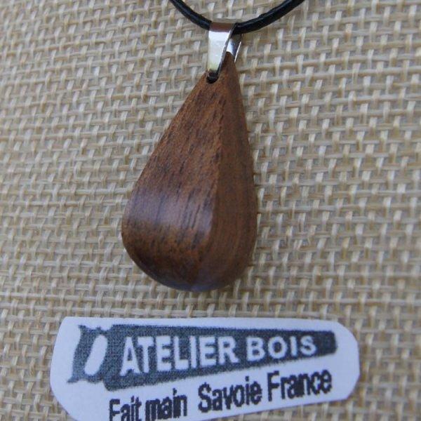 pendentif goutte en bois de Noyer ciré, bijou éthique fait main