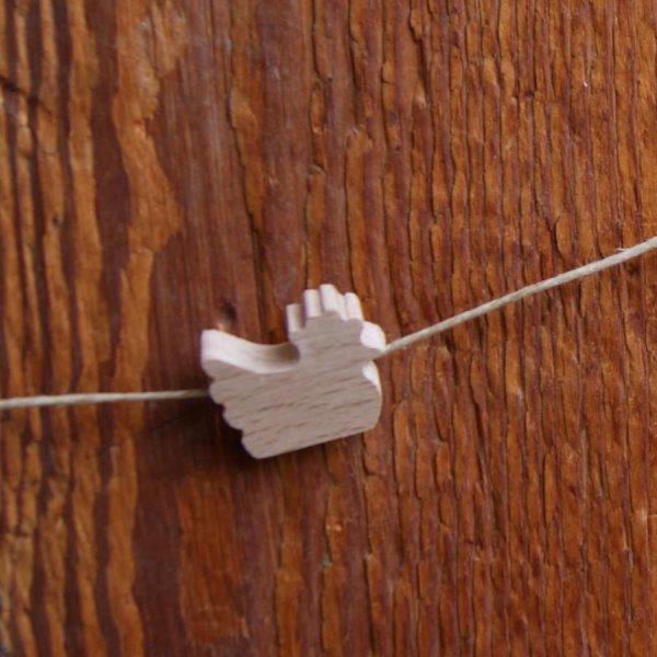perle bois massif poule H a peindre, loisirs créatifs, colliers découpé a la main