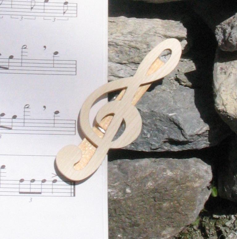pince à partition cle de sol cadeau musicien en bois d'erable massif fait main