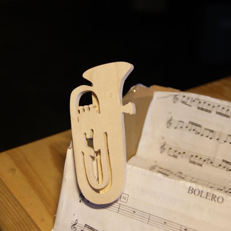 pince à partition figurine tuba, cadeau musicien, tubiste en bois massif fait main