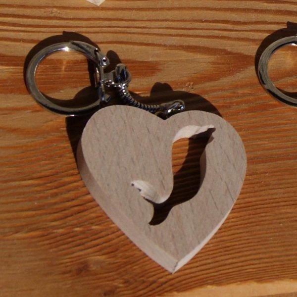 porte clef coeur et dauphin, fabrication artisanale en bois massif, hetre