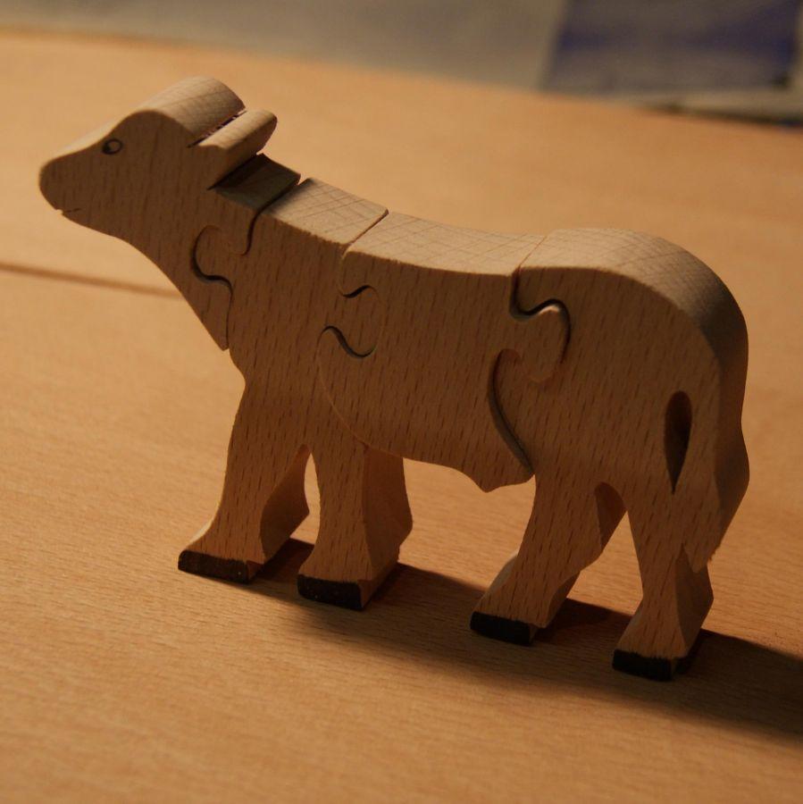 Puzzle bois 4 pièces veau Hetre massif, fait main, animaux de la ferme