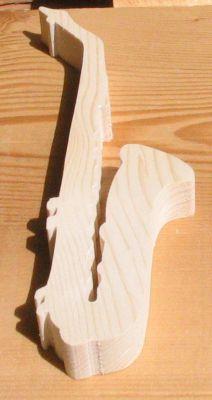 Saxophone en bois ht15cm, décoration musicale