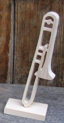 trombone monté sur socle décoration musicale en bois, cadeau tromboniste, fait main