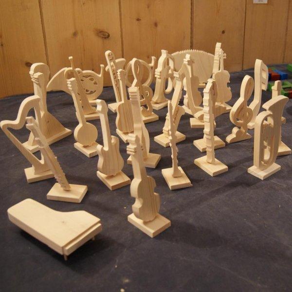 trompette en bois montée sur socle, décoration musique, cadeau musicien trompettiste, fait main