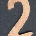 Chiffre 2 en bois massif ht 10cm a peindre et a coller