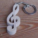 porte cle clef de sol, cadeau musicien, bois massif fait main, merisier, cadeau original musicien