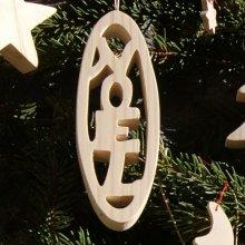 Boule de Noel 12 cm en bois d'epicea massif, decoration nature fait main