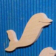 figurine dauphin 4.6 x 5 cm bois a peindre ep 3mm  embellissement scrapbooking