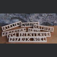 Mot ou prénom en bois brut a décorer