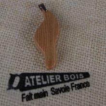 pendentif vague en bois de meleze ciré bijou éthique, fait main