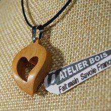 Pendentif Coeur sur cordon reglable, bijoux noce de bois