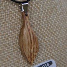 pendentif en bois  feuille en bois de chêne ciré, bijou éthique fait main